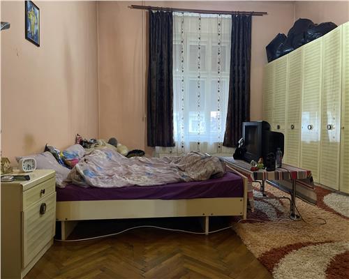 Apartament spatios cu 3 camere si terasa spatioasa, langa Colegiul Banatean