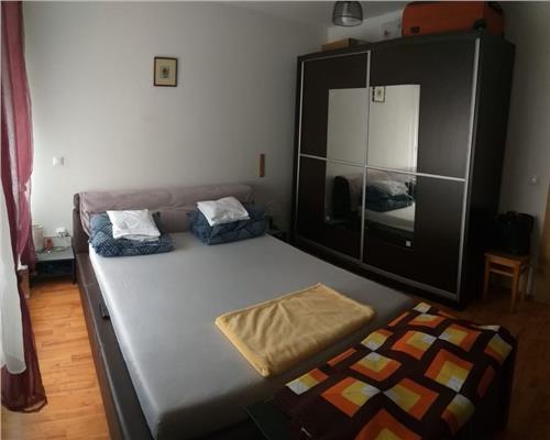 Apartament 2 camere + balcon mobilat zona Calea Aradului, decomandat