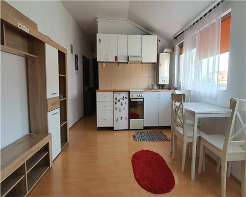 Apartament cu 3 camere zona Bucovina