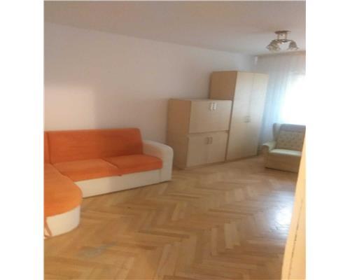 Apartament cu 3 camere in zona Soarelui