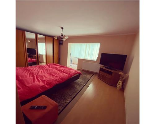 Apartament cu o camera, decomandat in Calea Sever Bocu