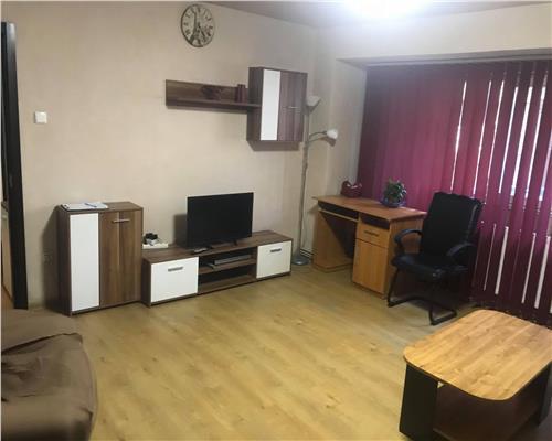 Apartament de 2 camere, semidecomandat, in zona FABRIC