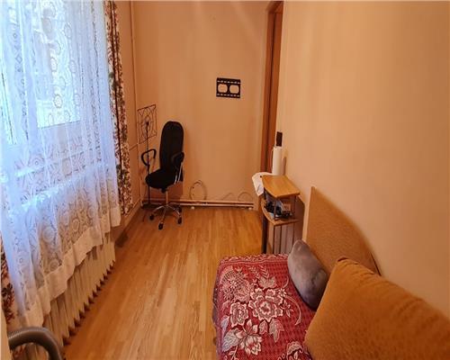 Apartament cu 2 camere, zona Sagului