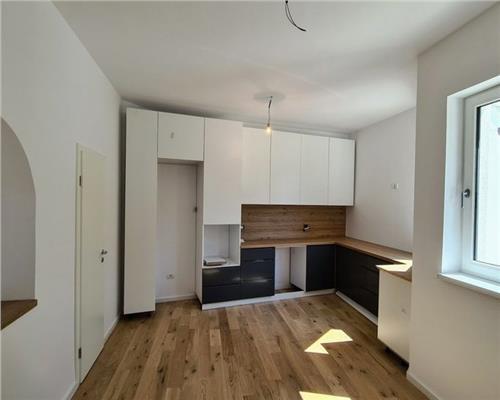 Casa individuala, renovata complet, 7 camere, calea Ghirodei