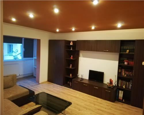Apartament de 3 camere, decomandat, in Calea Sagului