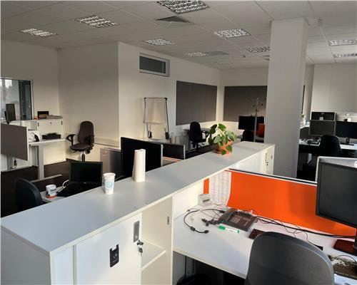 Spațiu pentru birouri, pretabil in domeniul IT, poziție inedită, aproximativ 46 locuri parcare.