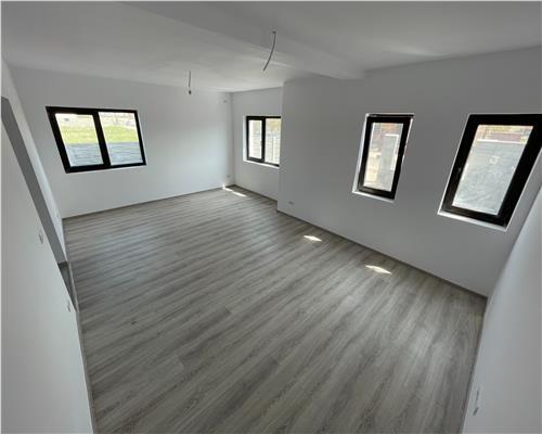 Duplex superb, 5 camere, zona foarte accesibila, asfalt, finisaje premium, Dumbravita