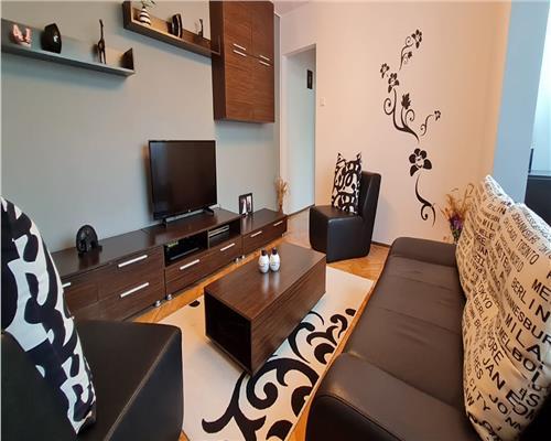 Apartament deosebit cu 3 camere, Circumavalatiunii, etaj 3