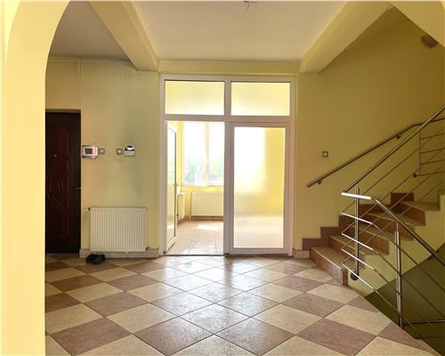 Casa individuala, cu 7 camere zona Mehala