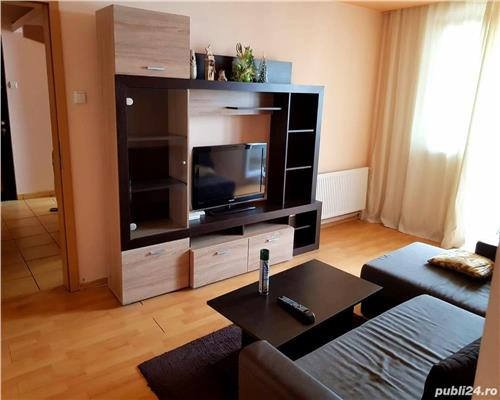 Apartament de 3 camere, semidecomandat, in zona Spitalului Judetean
