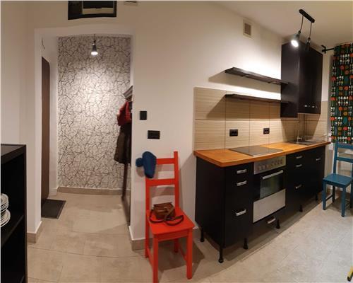 Apartament de 3 camere, semidecomandat, in zona Circumvalatiunii