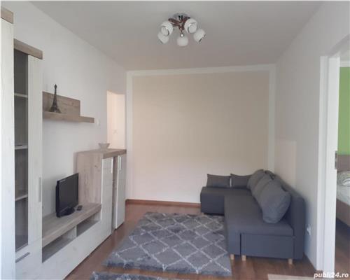 Apartament de 2 camere, semidecomandat, in zona Tipografilor