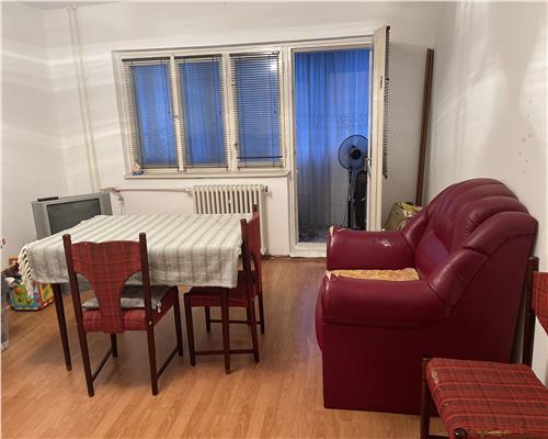 Apartament spatios cu 4 camere in zona Steaua