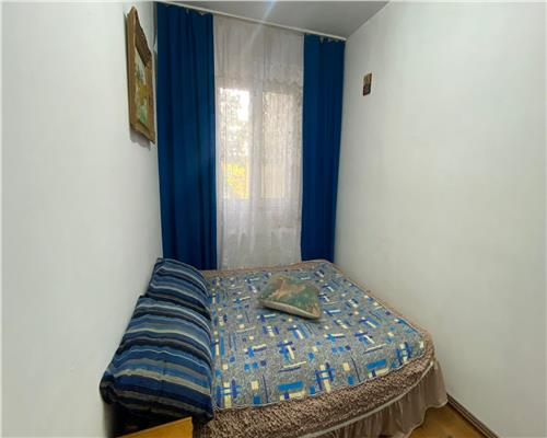 Apartament cu 3 camere, zona Spitalului Judetean