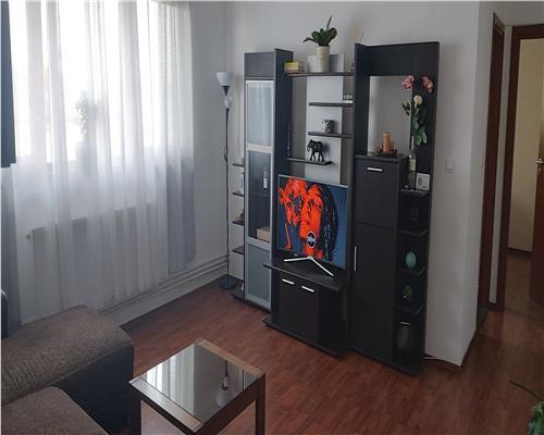 Apartament cu 2 camere, mansarga, Girocului