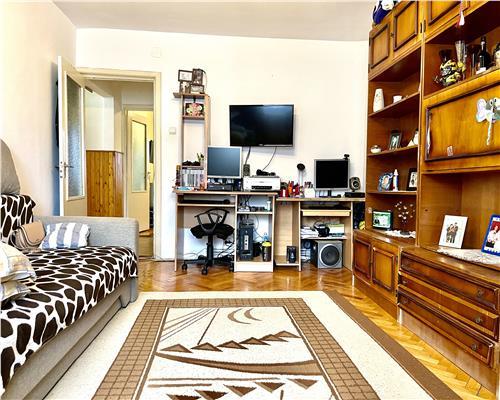 Apartament spatios cu doua camere decomandat Bucovina