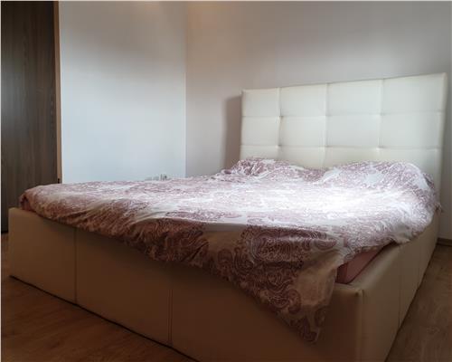 Apartament cu 3 camere zona Aradului