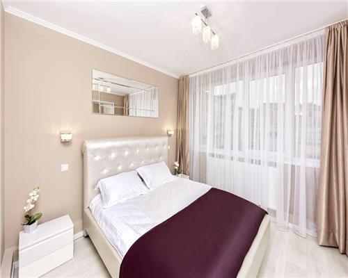 Apartament lux, 2 camere, Centru