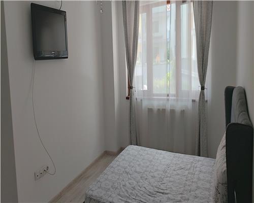 Apartament cu 2 camere,parter