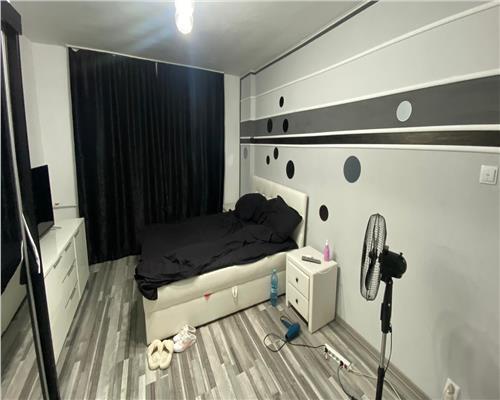 Apartament 3 camere , zona Complex Studentesc