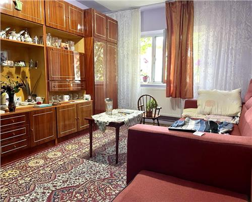 Apartament cu 3 camere spatios in zona Soarelui
