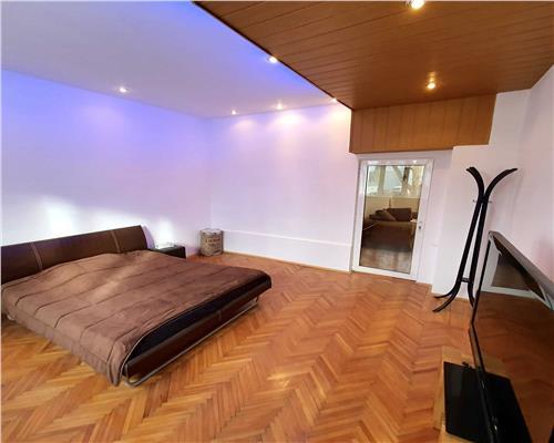 Apartament spatios, 2 camere, zona centrala