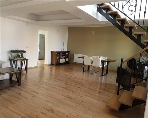 Casa individuala superba, cu garaj, mobilata si utilata complet, zona foarte accesibila in Dumbravita