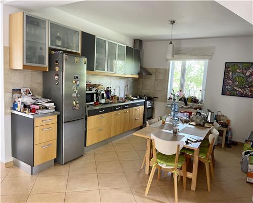Casa individuala foarte cocheta, mobilata si utilata, zona superba, Dumbravita