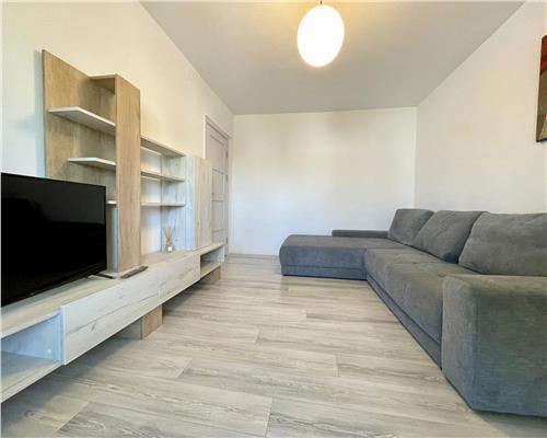 Apartament cu 3 camere recent renovat in zona Complexul Studentesc