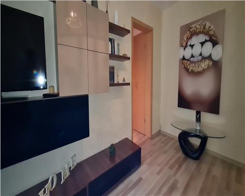 Apartament deosebit, 4 camere, 2 bai, 2 balcoane, Complexul Studentesc