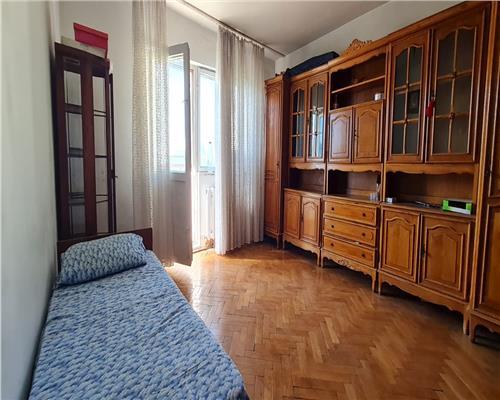 Apartament cu 3 camere, 2 bai, 3 balcoane, langa Vox