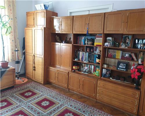 Apartament cu 3 camere in zona Iosefin, etaj intermediar, centrala proprie, garaj si boxa