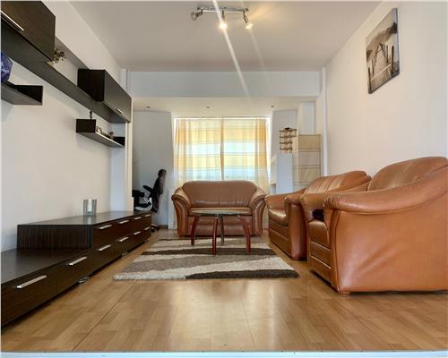Apartament cu 3 camere, zona Modern