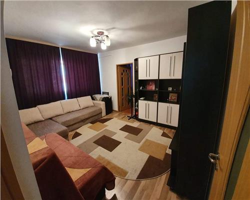 Apartament cu 2 camere, piata Doina