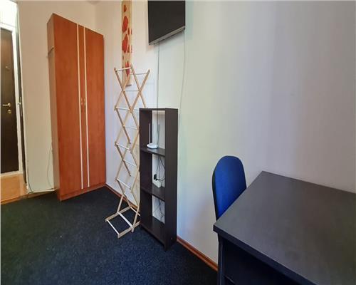 Garsoniera, etaj intermediar, zona Aradului