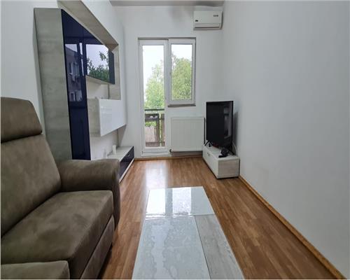 Apartament cu 3 camere, etaj intermediar, Aradului
