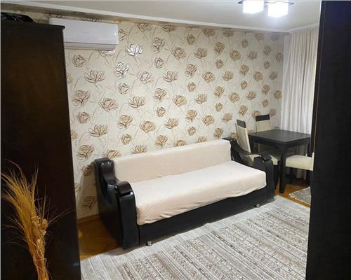 Apartament cu 2 camere, Complex Studentesc, semidecomandat.