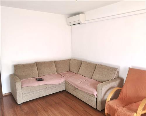 Apartament cu 3 camere, zona Soarelui