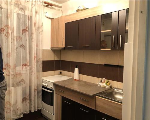 Apartament cu 2 camere zona Medicina decomandat