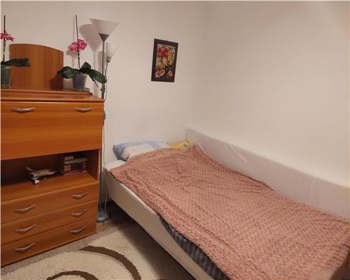 Apartament cu 2 camere Semidecomandat, Zona Dambovita