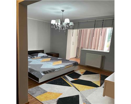 Apartament cu 4 camere ,Zona Dambovita